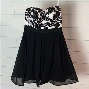 NWT Sequin Hearts Semi-formal Cocktail dress